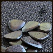Tri Tones - Wenge - 1 Guitar Pick | Timber Tones